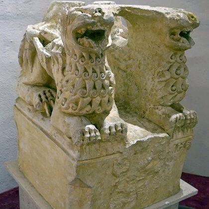 Kouřim lions, source: www.cestyapamatky.cz