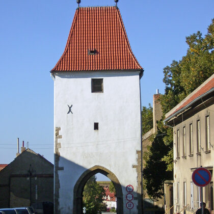 Prager Tor, Foto von Petr Vilgus, Wikipedia